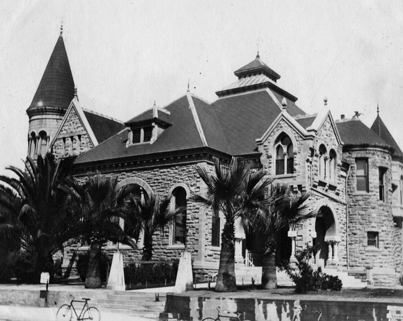 Pasadena Public Library (ca. 1893) in what became Memorial Park. f the Pasadena Public Library, built in Richardsonian Romanesque style stone. It was demolished except for the entry, which remains in Memorial Park, formerly Library Park. Architect was Hamilton Ridgway.
