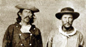 Pony Express rider Sam Hamilton on right.