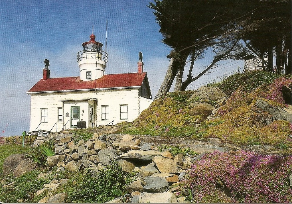 Battery Point Lighthouse (1856).