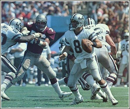 Los Angeles Express defeat the Michigan Panthers in 3rd overtime period (1984).