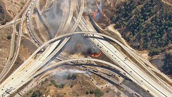 Newhall Pass fire (2007).