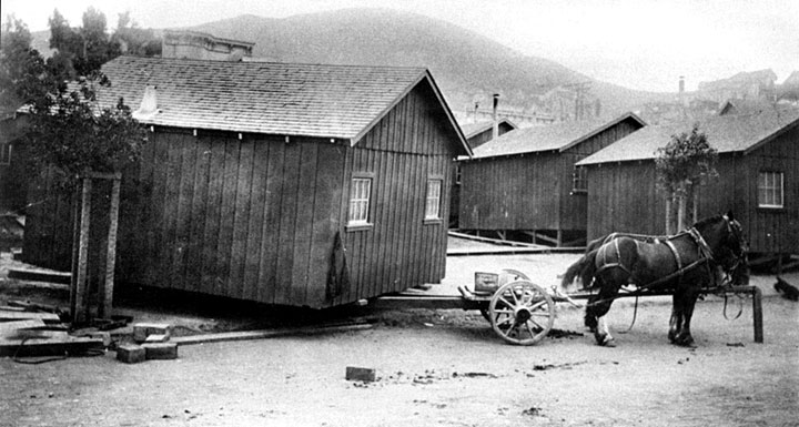 Earthquake shacks (1906).
