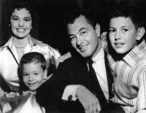 Tony Martin, Cyd Charisse and family (1956).